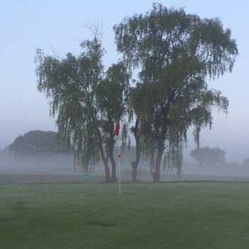 golfmayd.JPG